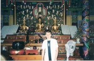 На экскурсии в храме.