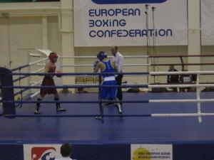 Дмитрий Лефанов с соперником из Италии